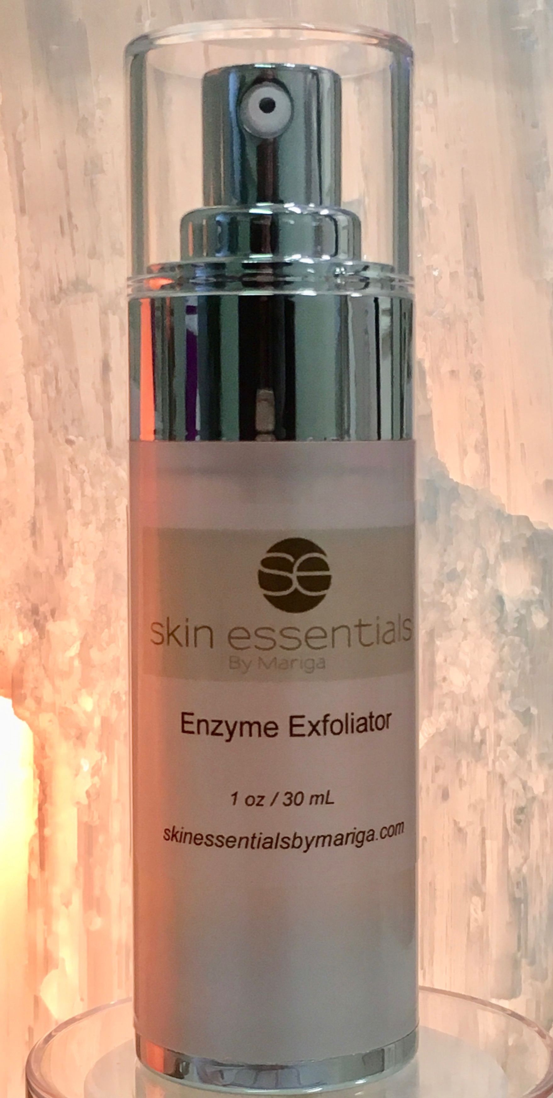 pic of 30ml airless pump bottle of Enzyme Exfoliator from Skin Essentials by Mariga, Wexford